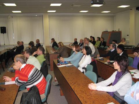 Foto 2: Účastníci II. stretnutia používateľov elektronických služieb.